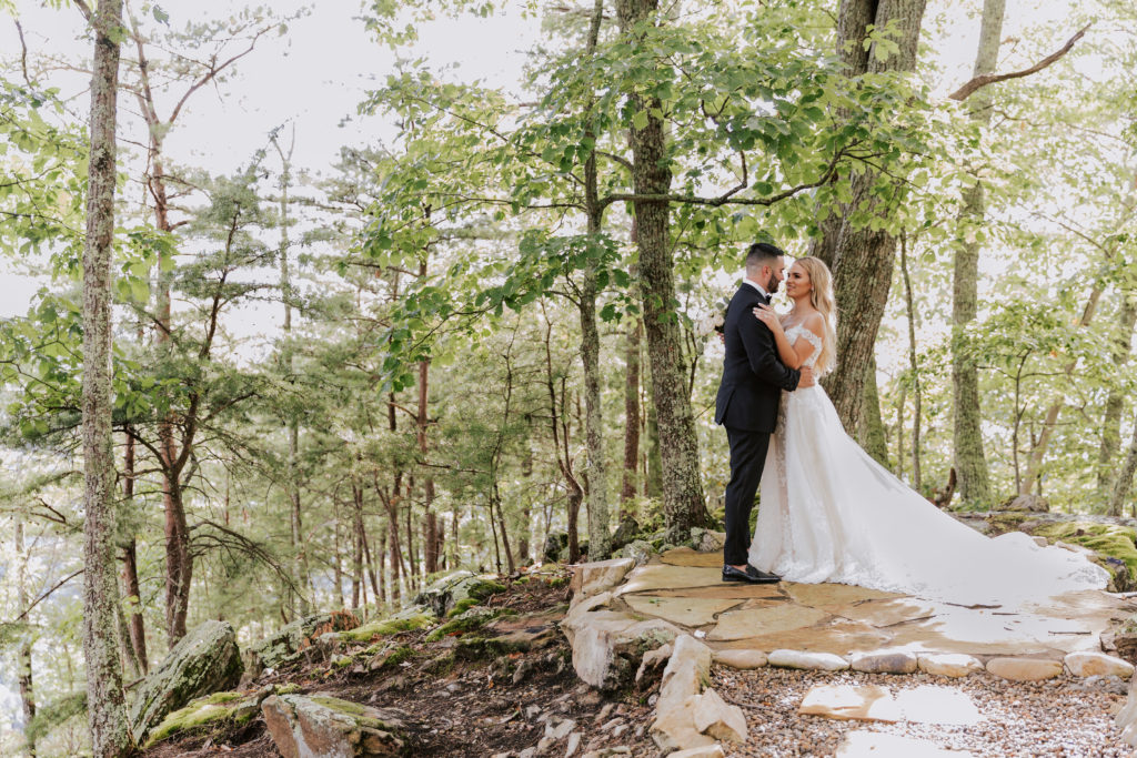 Portrait on a woodsy, mountain knoll | The Magnolia Venue | The Smoky Mountains | Photography by Miss Riss Photography