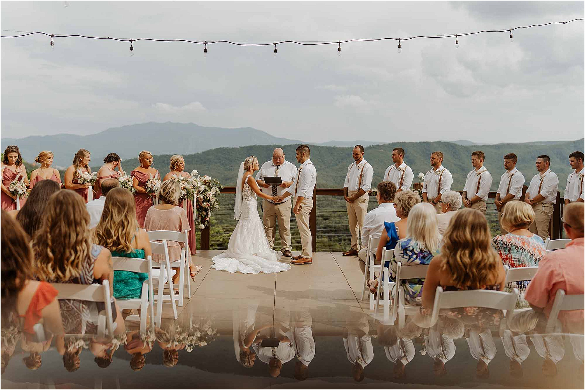 Casual Summer Wedding in Pigeon Forge, Tennessee