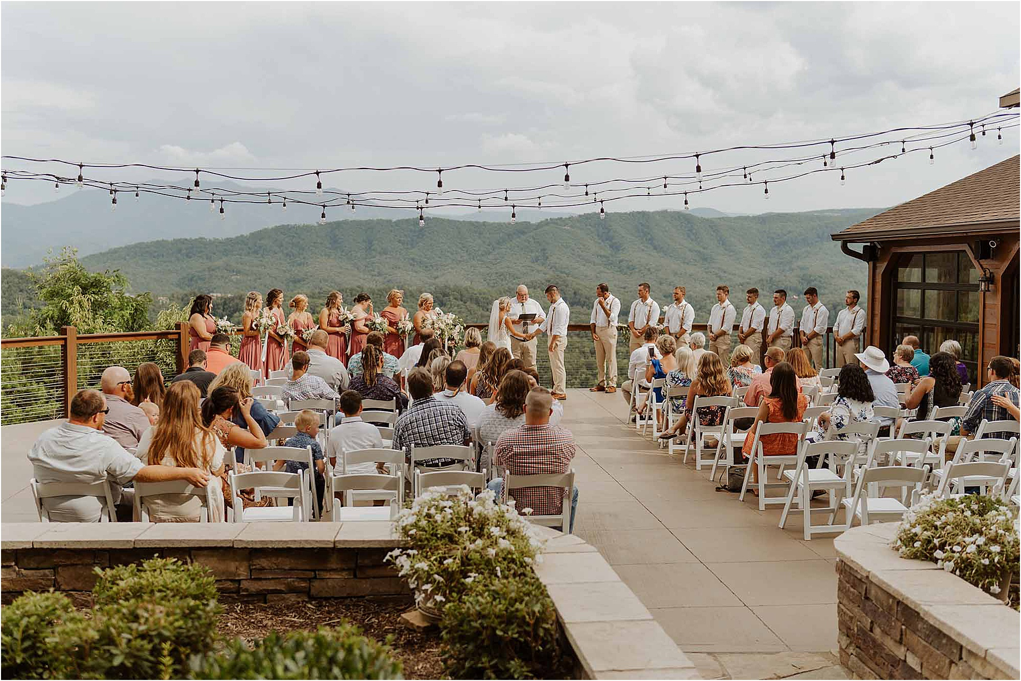 Summer wedding in Pigeon Forge, Tennessee