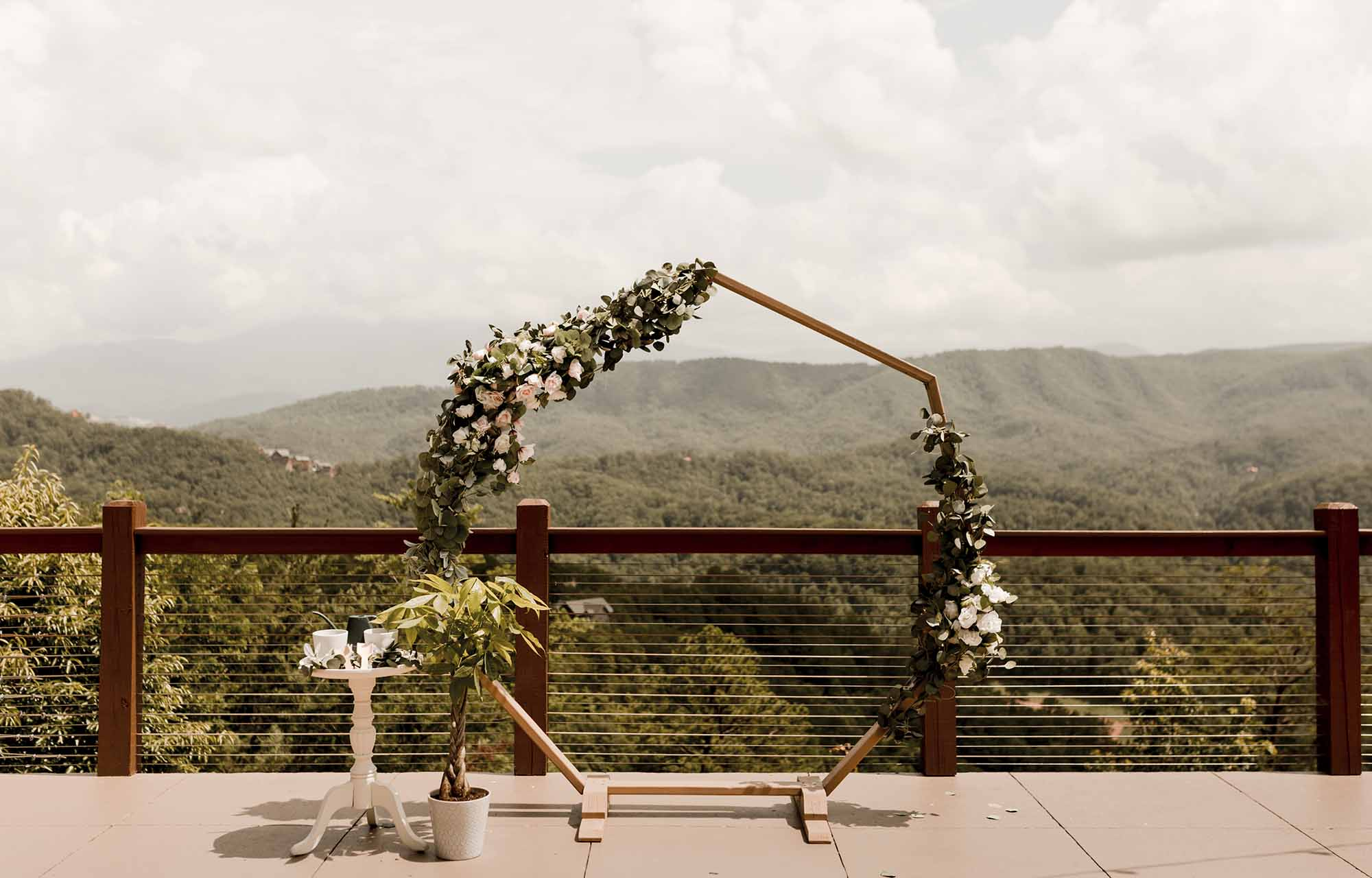 Unforgettable Wedding Arch Ideas