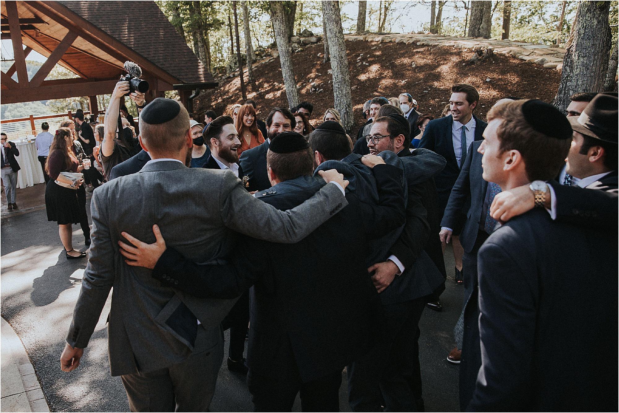 The B'deken with Jewish Men